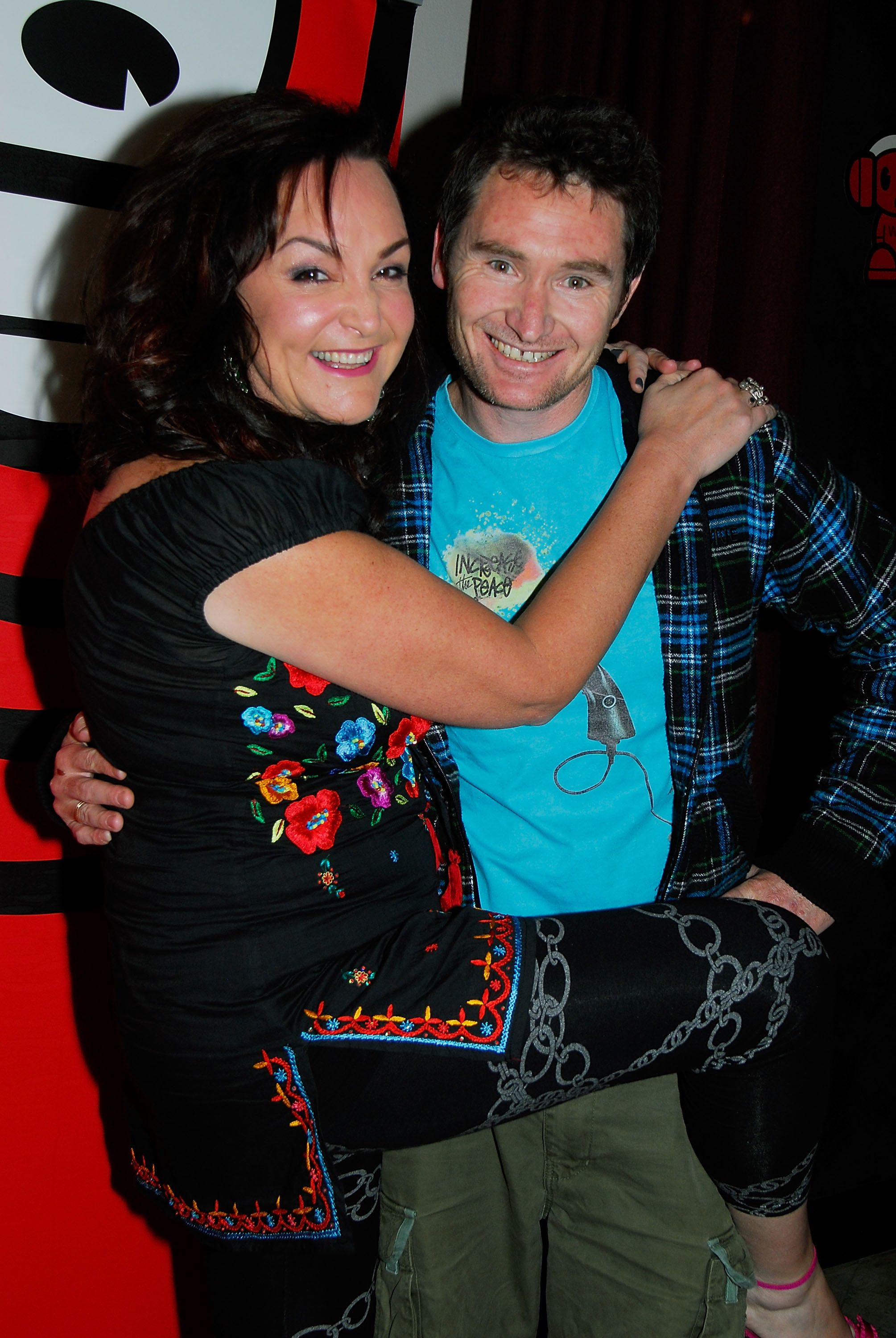 SYDNEY, AUSTRALIA - JULY 03: Stand Up Comedian/Broadcaster (R) Dave Hughes and co host (L) Kate Langbroek at the pre-dinner drinks ahead of the 'Stand Up In '08' Celebrity Comedy Night at The Factory, Enmore on July 3, 2008 in Sydney, Australia.  (Photo by Ruth Schwarzenholz/Getty Images)