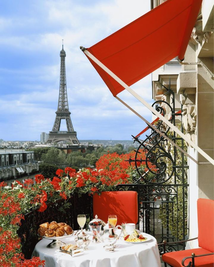 <p>View from Eiffel Tower Suite balcony, at Hotel Plaza Athénee </p>