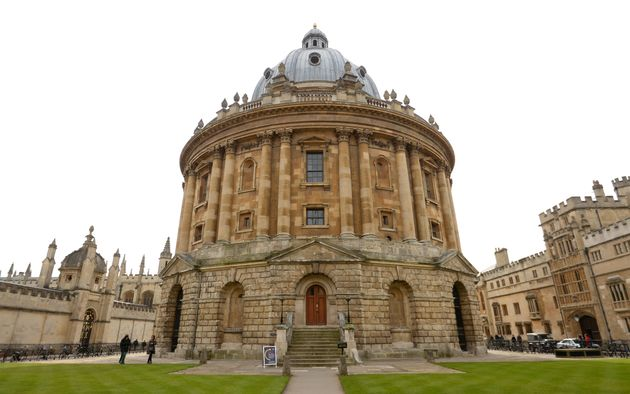 A total of 82% of Oxford's offers were toapplicants from the top two social classes. Thirteen Oxford...