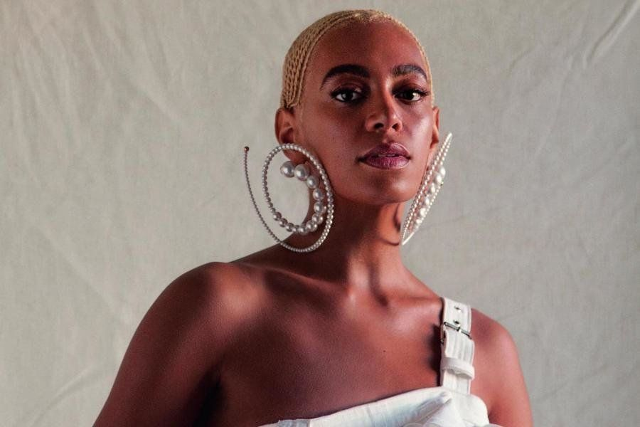 Solange Shades ES Magazine For Touching Her