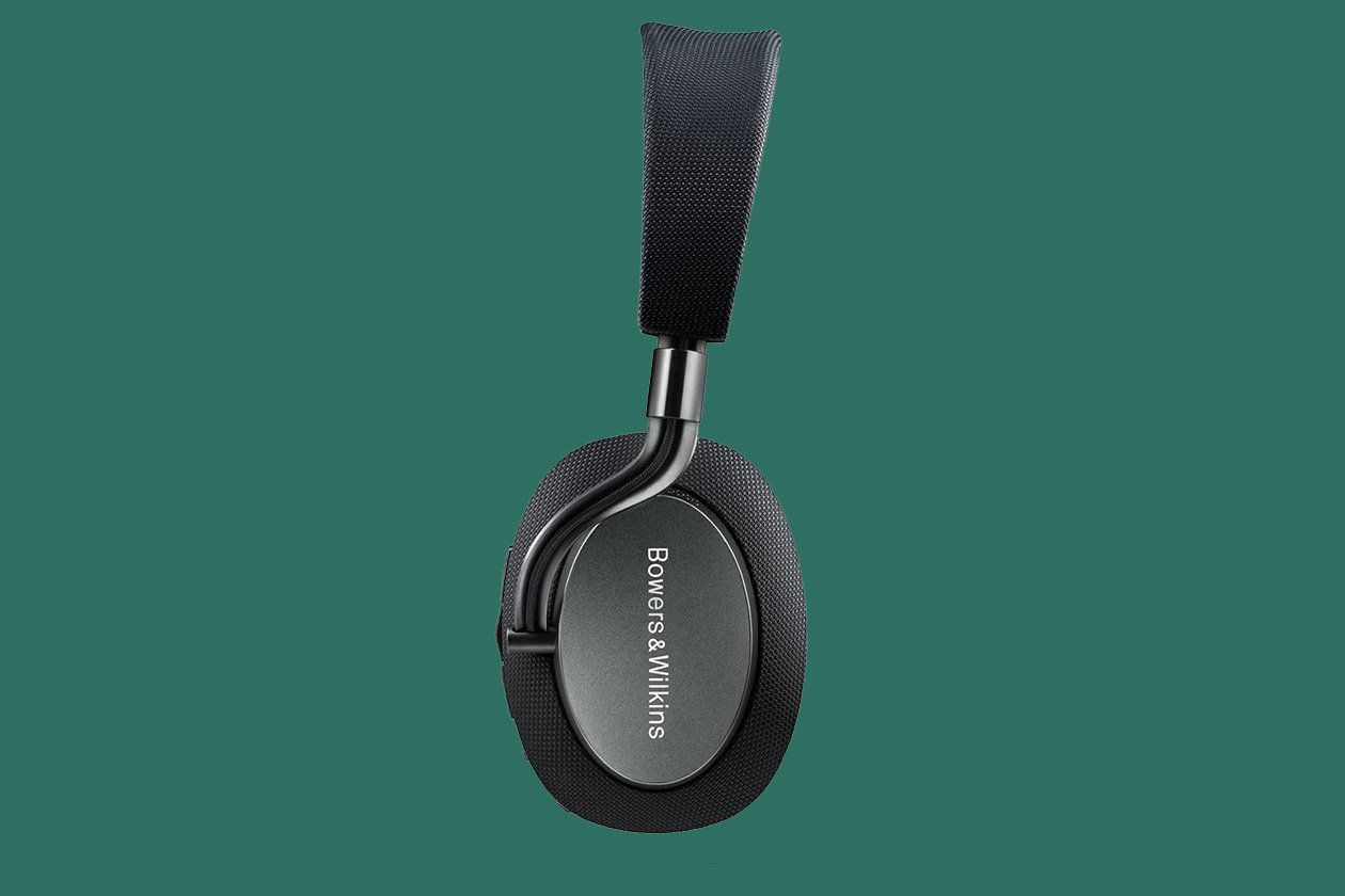 Bowers & Wilkins PX Review: These Headphones Have No Right To Sound As Good As They