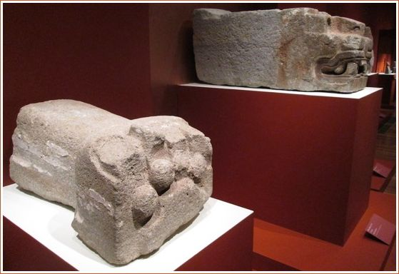 Feline sculpture fragments from the Sun Pyramid – Andesite and pigments. Paw (100-150) and Face (300-400)