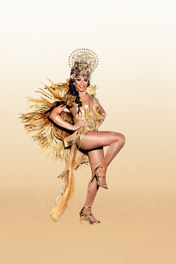 From: Los Angeles, California<br><br>Twitter: @itsSHANGELA, Instagram: itsshangela<br><br>Halleloo! The original comeback que