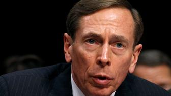 John Petraeus defends the rights of Americans to criticize their generals