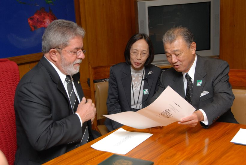 With President Lula de Silva, reaffirming our strong commitment to eliminate leprosy (Brazilia, Brazil, November 2008)