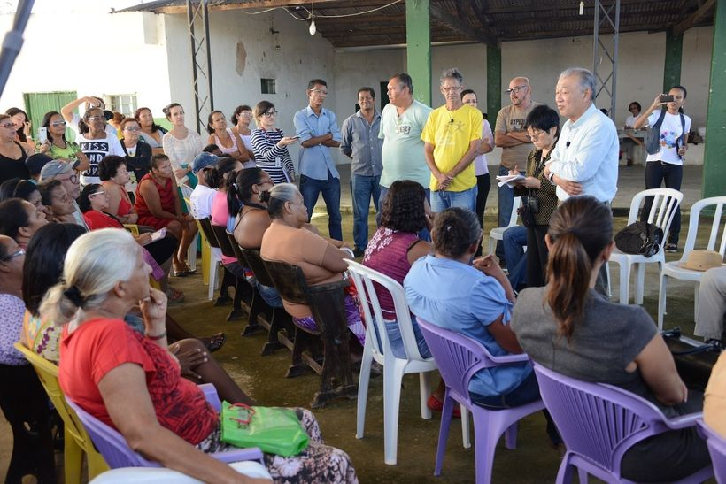 Addressing a meeting organized by MORHAN (Pernambuco, Brazil, August 2015)