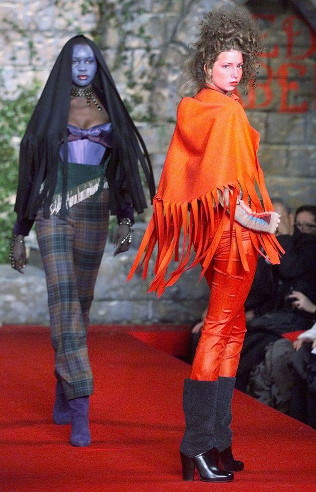 Desfilando para Vivienne Westwood,
