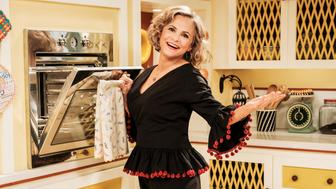 27056_015 At Home with Amy Sedaris 110 - Murder-cide - JP