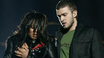 Singer Janet Jackson performs with singer Justin Timberlake during the halftime show at Super Bowl XXXVIII in Houston, Texas, in this February 1, 2004 file photo. Jackson's bare breast flash during the nationally televised game will cost the CBS television network a record $550,000 for violating indecency rules, U.S. communications regulators said September 22, 2004. As expected, the Federal Communications Commission said it has officially voted to fine the 20 stations owned by the CBS television network, a unit of conglomerate Viacom Inc., $27,500 each for airing the incident. REUTERS/Win McNamee  SV