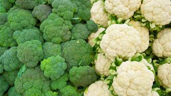 cauliflower and broccoli background