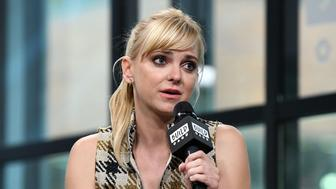 NEW YORK, NY - OCTOBER 23:  Actress/comedian Anna Faris visits Build to discuss her podcast 'Unqualified' at Build Studio on October 23, 2017 in New York City.  (Photo by Slaven Vlasic/Getty Images)