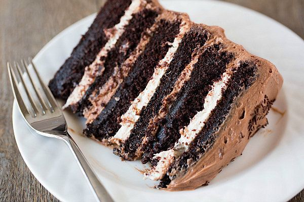 """<strong>Get the<a href=""""http://www.browneyedbaker.com/2013/03/25/six-layer-chocolate-cake-with-toasted-marshmallow-fill"""