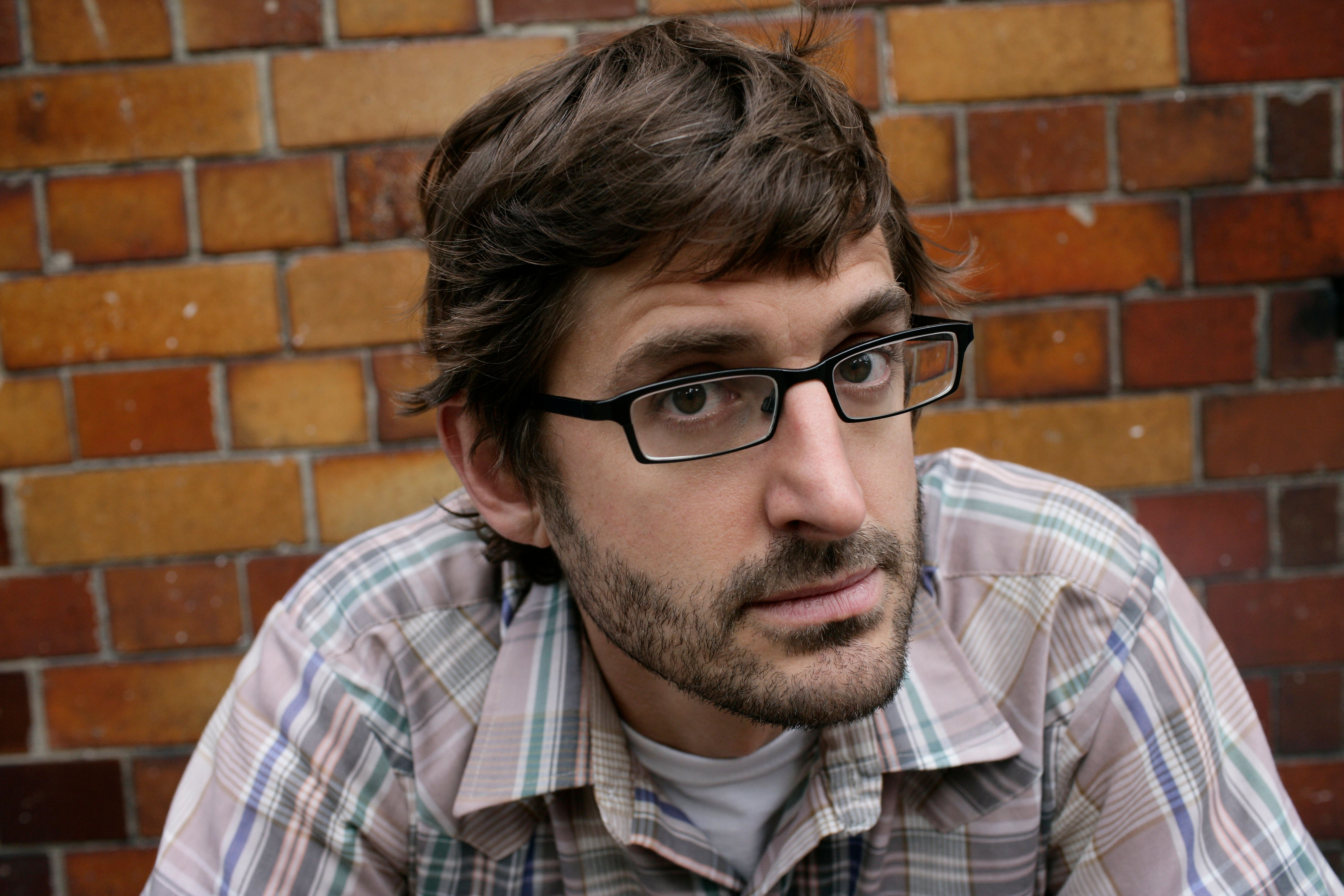This Louis Theroux Twitter Bot Randomly Generates Documentaries And They All Sound Incredible