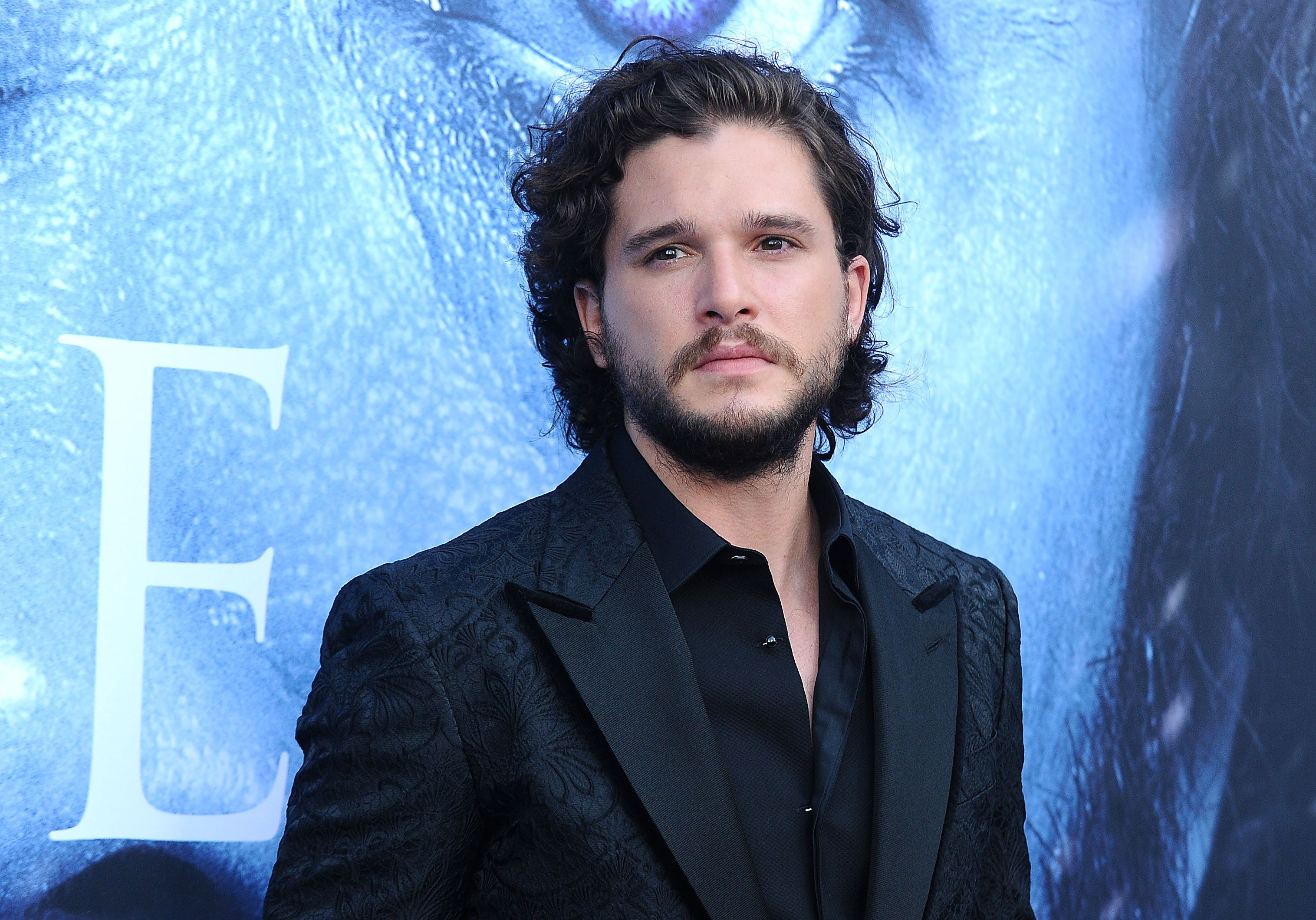 LOS ANGELES, CA - JULY 12:  Actor Kit Harington attends the season 7 premiere of 'Game Of Thrones' at Walt Disney Concert Hall on July 12, 2017 in Los Angeles, California.  (Photo by Jason LaVeris/FilmMagic)