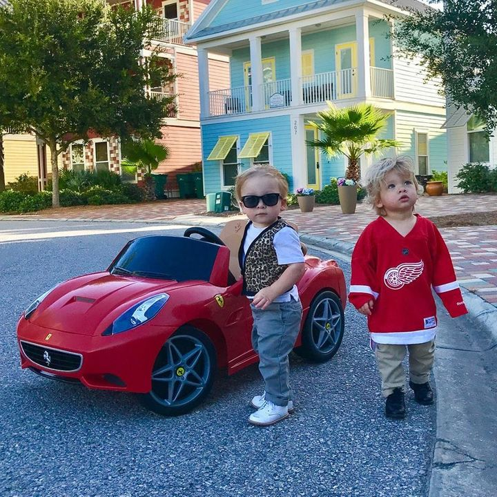 8afa0bcc0 Twin toddlers Charlie and Row channeled Ferris Bueller and Cameron Frye for  a cute Halloween photo