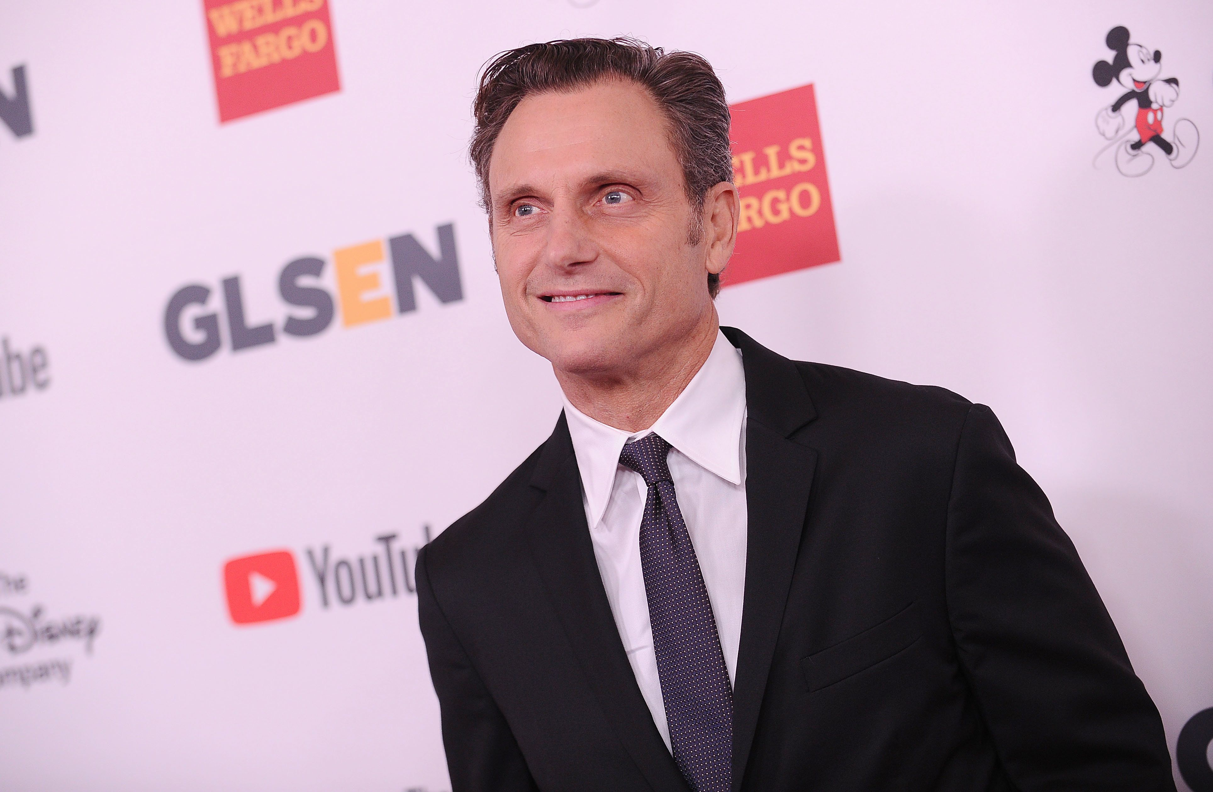 BEVERLY HILLS, CA - OCTOBER 20:  Actor Tony Goldwyn attends the 2017 GLSEN Respect Awards at the Beverly Wilshire Four Seasons Hotel on October 20, 2017 in Beverly Hills, California.  (Photo by Jason LaVeris/FilmMagic)