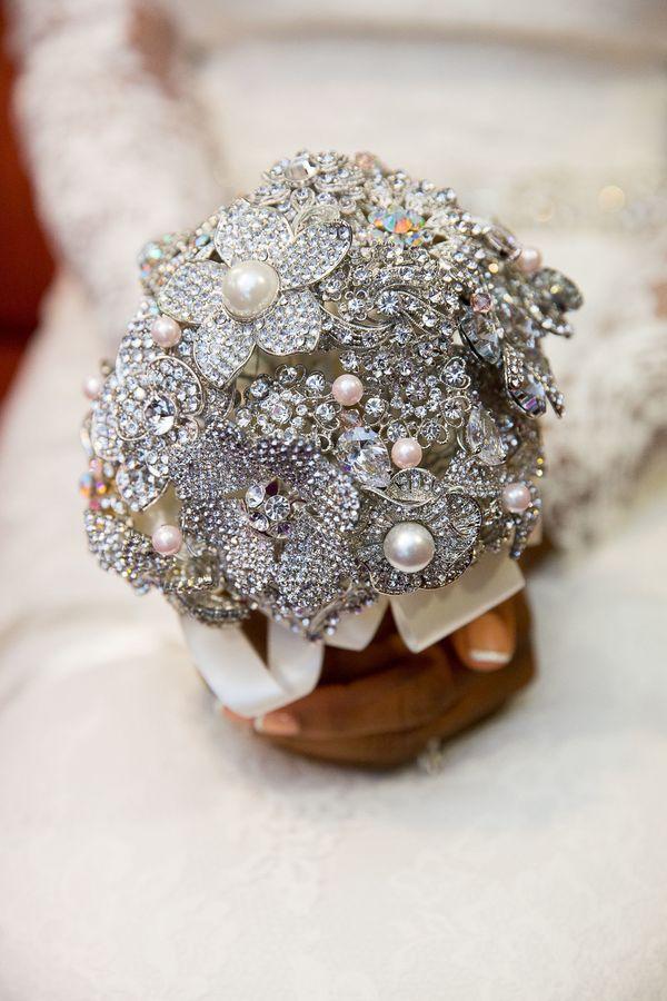 16 Freshest Wedding Bouquet Ideas For Every Season Weddingmix Blog Alternative Bouquets Non Fl