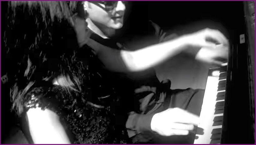 "Anderson &amp; Roe. <a rel=""nofollow"" href=""https://www.youtube.com/watch?v=yioMN-meE0o"" target=""_blank"">&#39;Billie Jean&#39"