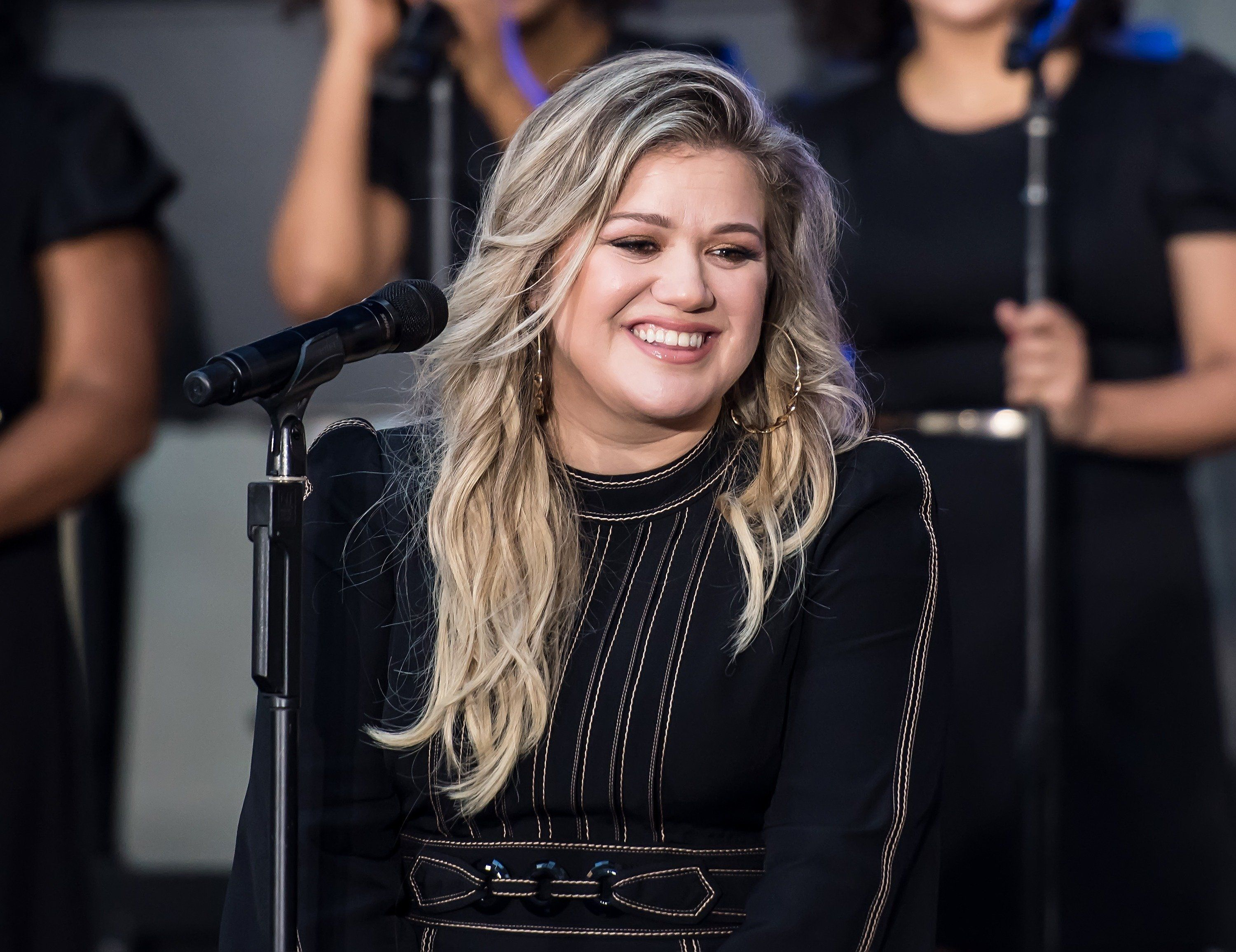 NEW YORK, NY - SEPTEMBER 08:  Singer Kelly Clarkson performs on stage at the Citi Concert Series on NBC's 'Today' at Rockefeller Plaza on September 8, 2017 in New York City.  (Photo by Gilbert Carrasquillo/Getty Images)