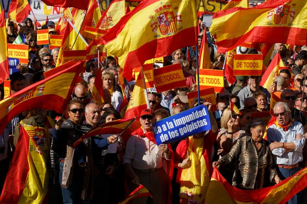 Catalans Urged To Oppose Spanish Government's Takeover By Sacked President Carles