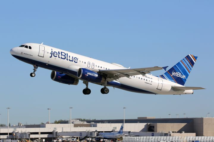 jetblue is offering 49 flights in an awesome 2 day flash sale huffpost life. Black Bedroom Furniture Sets. Home Design Ideas