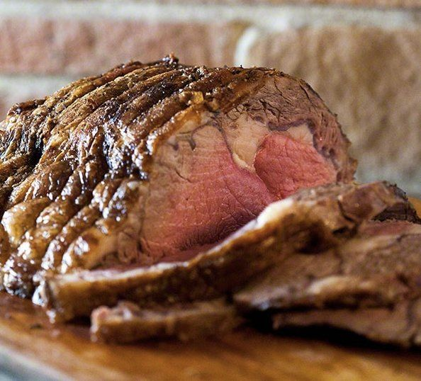 "<strong>Get the <a href=""http://www.simplyrecipes.com/recipes/prime_rib/"" target=""_blank"">Classic Prime Rib recipe</a>&n"