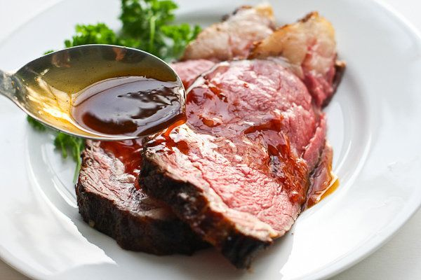 "<strong>Get the <a href=""http://www.steamykitchen.com/12516-perfect-prime-rib-roast-au-jus-recipe.html"" target=""_blank"">"