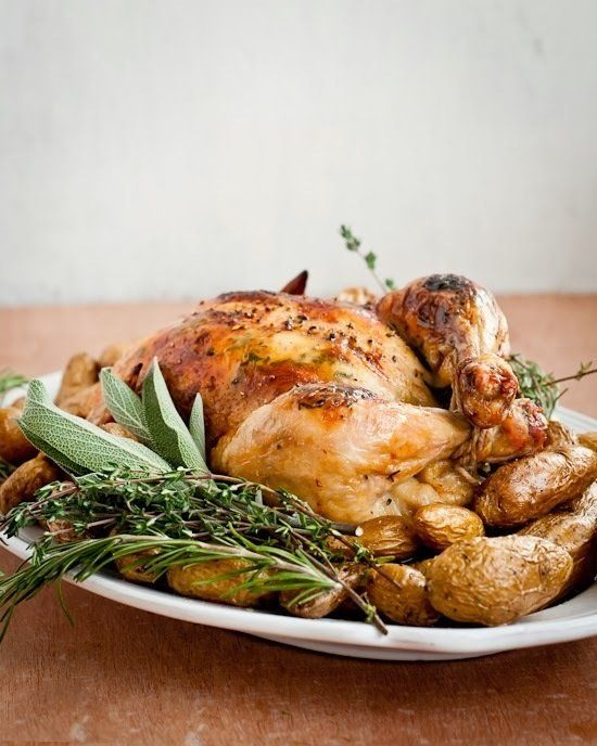 "<strong>Get the <a href=""http://cafejohnsonia.com/2013/11/how-to-maple-mustard-roasted-chicken-recipe.html"" target=""_bla"