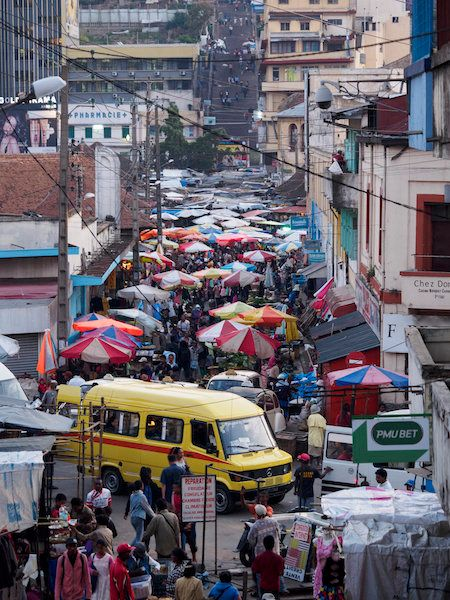 Crowded streets and buses in Antananarivo allow the airborne pneumonic plague to spread quickly.