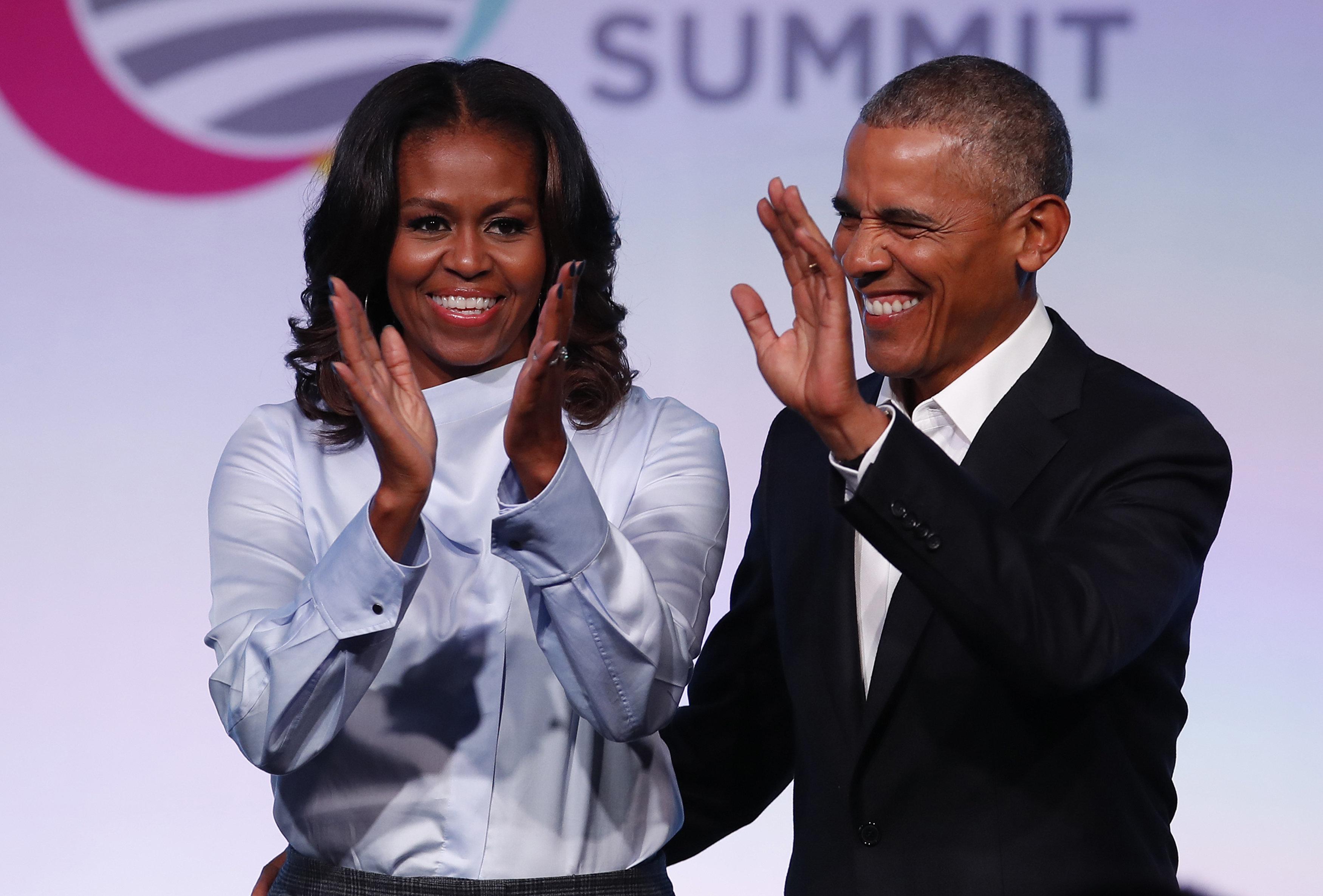Michelle Obama insinúa que a Barack no le vendrían mal un par de amigos