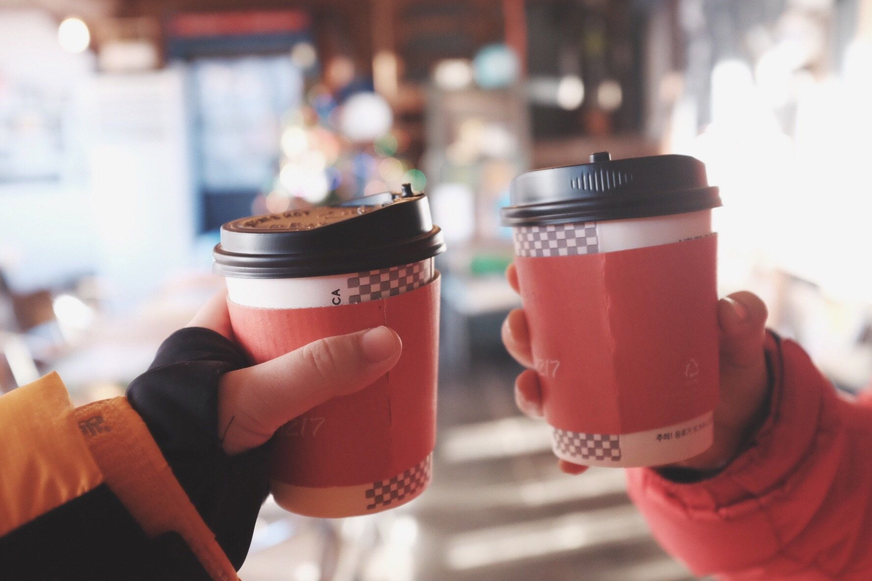 <strong>A petition calling for a charge on disposable cups&nbsp;has so far attracted more than 30,000 signatures</strong>