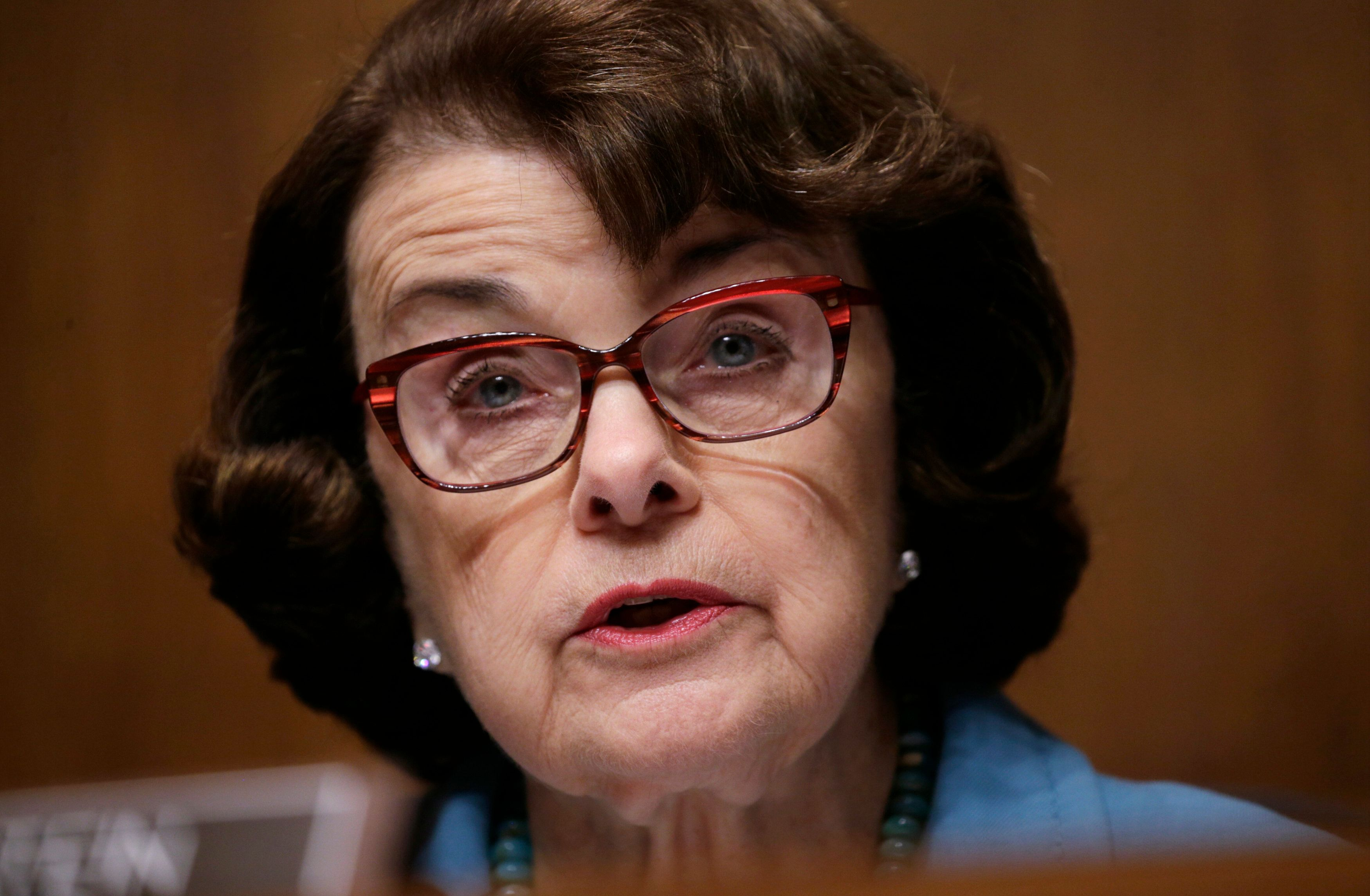 The Senate Judiciary Committee's ranking Democrat, Dianne Feinstein of California, wants Attorney General Jeff Sessions to te