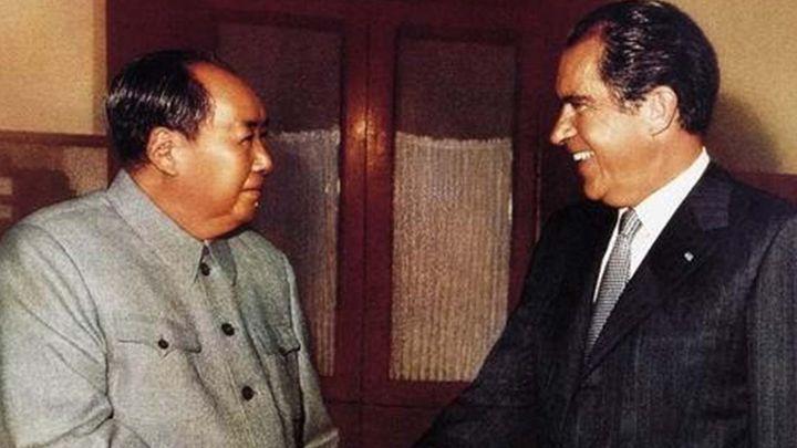 <em>Nixon Meets Mao Zedong</em>