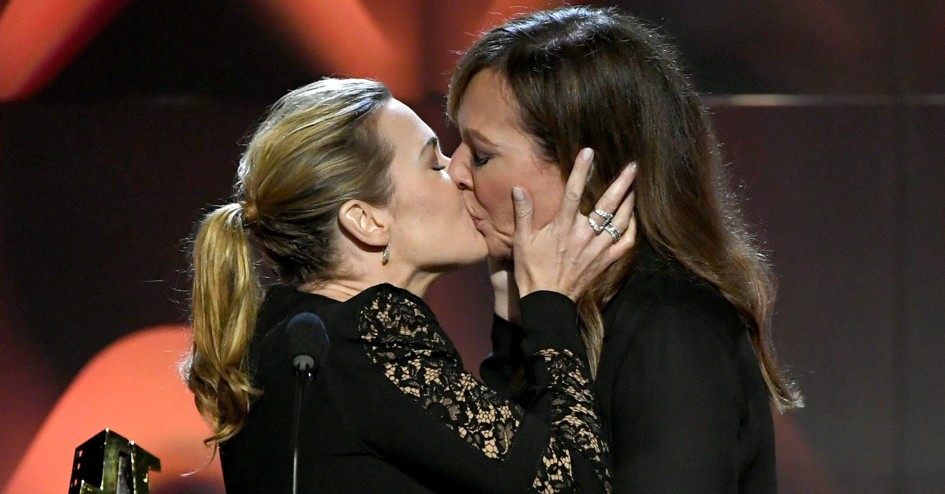 Todays Joy Is Brought To You By Kate Winslet Kissing Allison Janney  Huffpost-9991