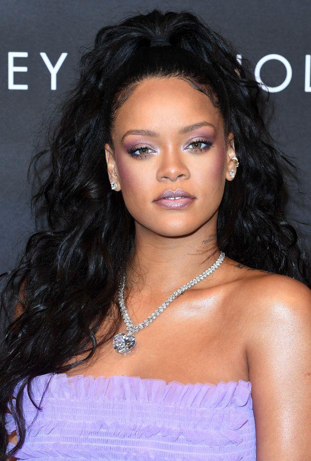 Why The 'Killawatt Highlighter' Is Rihanna's Favourite Fenty Beauty