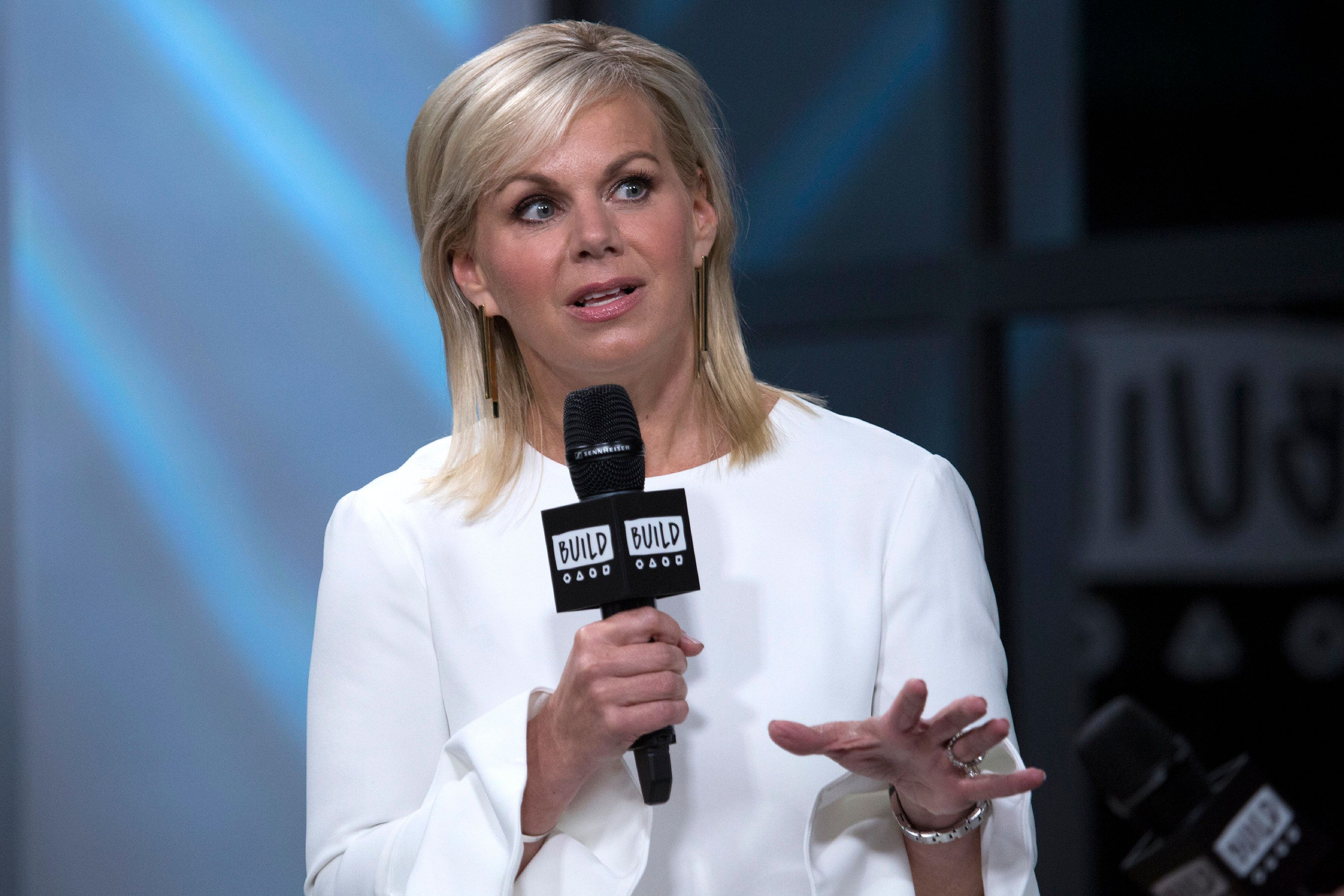 "In a Lenny Letter essay published on Tuesday, Gretchen Carlson wrote that ""boorish behavior transcends ideology an"