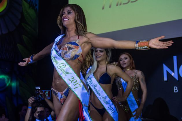 Rosie Oliveira from Amazonas reacts after winning the Miss Bumbum Brazil 2017