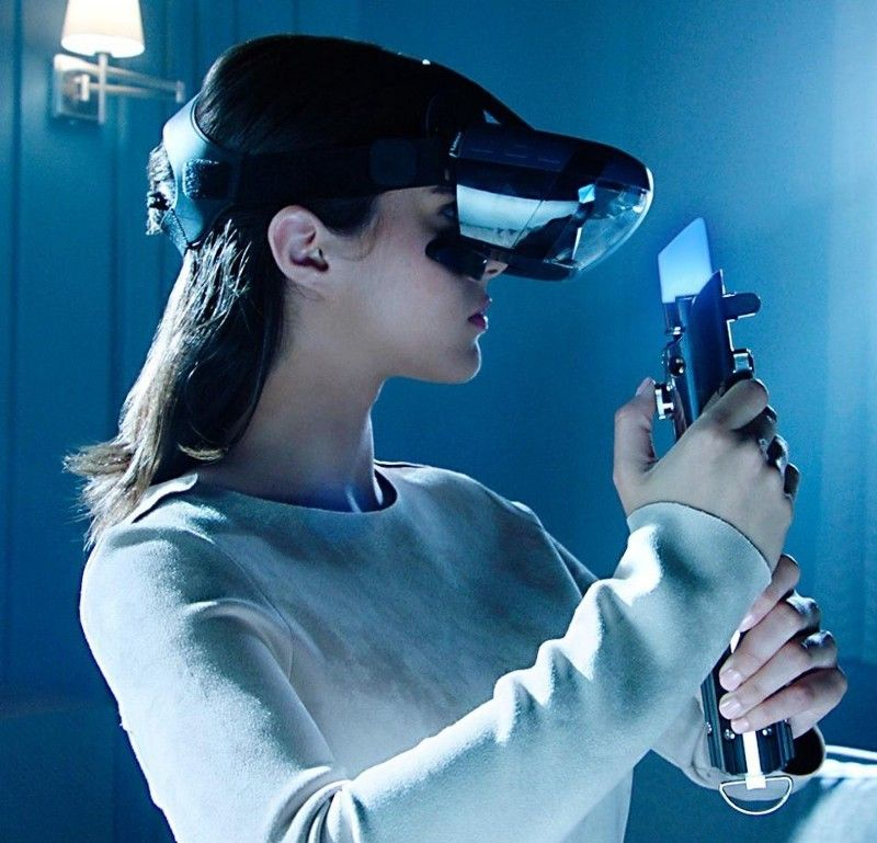 <em>At $199, the Disney/Lenvo Star Wars AR headset and bluetooth peripheral Light Saber are poised to be the must-have t