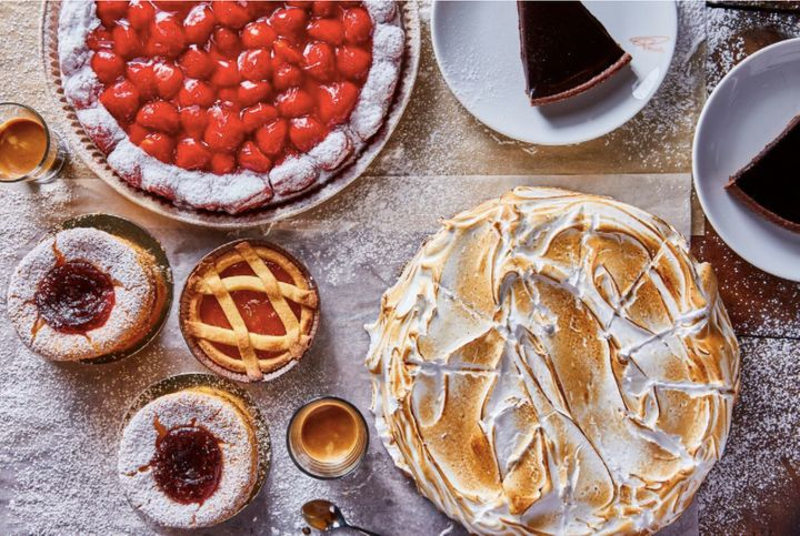 "<a href=""http://ricette.giallozafferano.it/Crostata-di-fragole-fresche.html"" target=""_blank"">Crostata fragola</a>, a strawberry tart, <a href=""https://news.starbucks.com/press-releases/starbucks-brings-italian-princi-bakery-to-seattle-roastery"" target=""_blank"">is a highlight</a> of the dessert menu.&nbsp;"