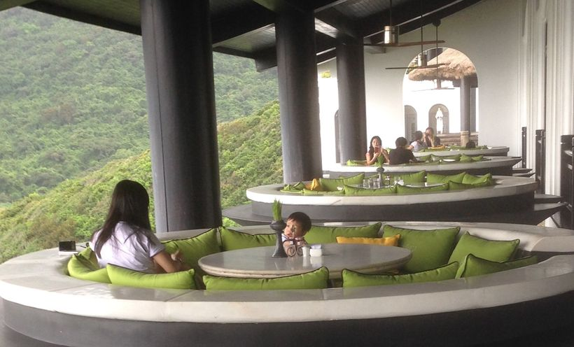 "Dining at the Monkey Mountain Resort where President Trump & Asian ""APEC"" leaders meet"