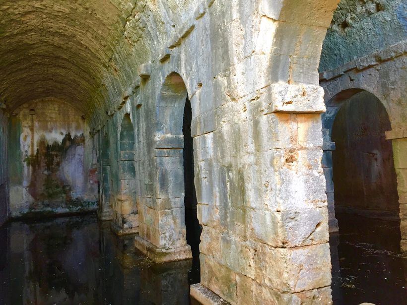 <strong>Roman Cistern&#x2F;Aptera</strong>