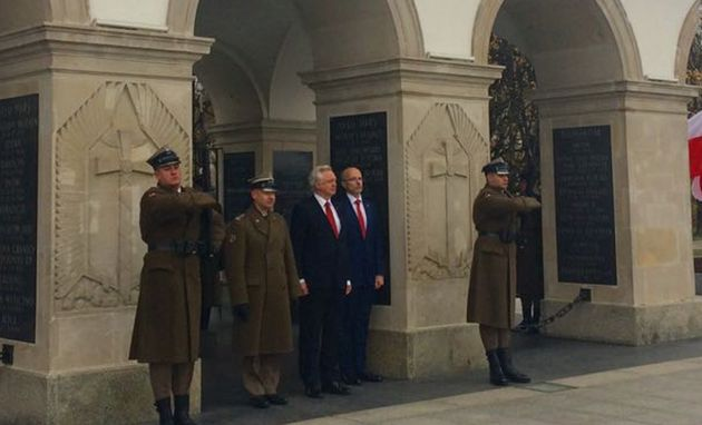 David Davis at the Tomb of the Unknown Soldier in Poland (c/o