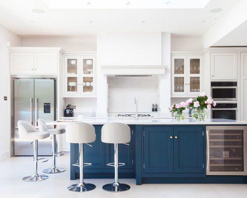 "<a rel=""nofollow"" href=""https://www.houzz.com/photo/62521430-wimbledon-bespoke-kitchen-traditional-kitchen-london"" target=""_b"