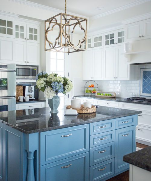 "<a rel=""nofollow"" href=""https://www.houzz.com/photo/43117620-5th-street-beach-inspired-traditional-kitchen-los-angeles"" targe"