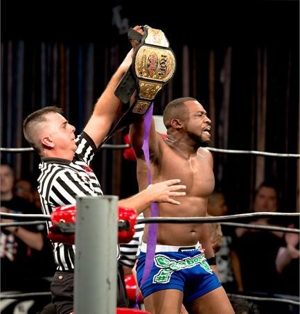 """Reigning World TV champion Kenny King compares ROH's 'slow-and-steady' growth to <em>Impact</em>'s more """"chaotic"""" approach to"""