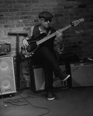 Tom Semioli at The Bitter End soundcheck in New York City