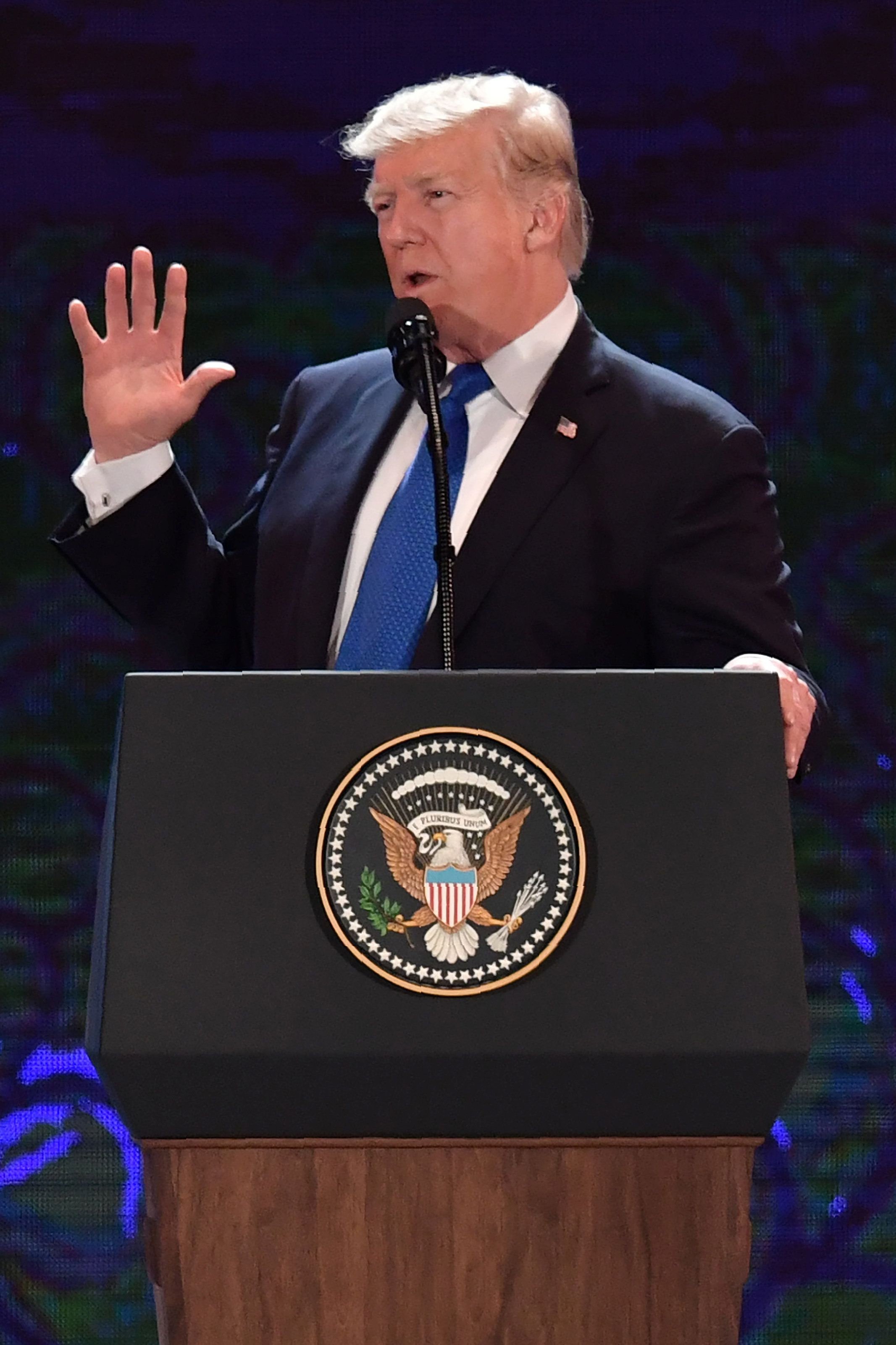 U.S. President Donald Trump speaks on the final day of the APEC CEO Summit, part of the broader Asia-Pacific Economic Cooperation (APEC) leaders' summit, in Danang, Vietnam, November 10, 2017. REUTERS/Anthony Wallace/Pool