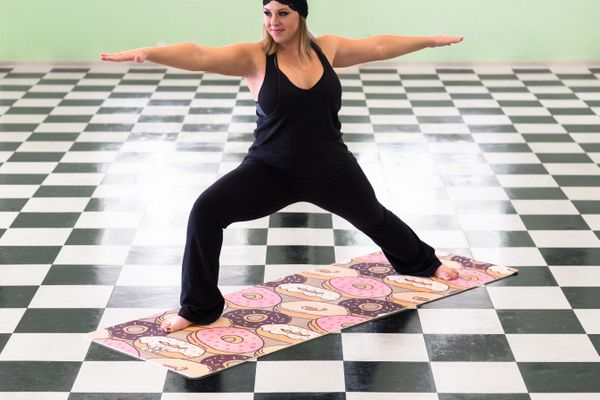 "If Marge Simpson wants to get Homer to try yoga, she could do worse than this <a href=""https://lookatdatmat.com/products/donu"