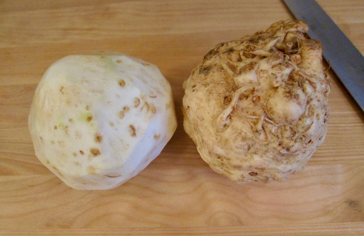 <p>Be ruthless when you peel a celery root: waste is unavoidable</p>