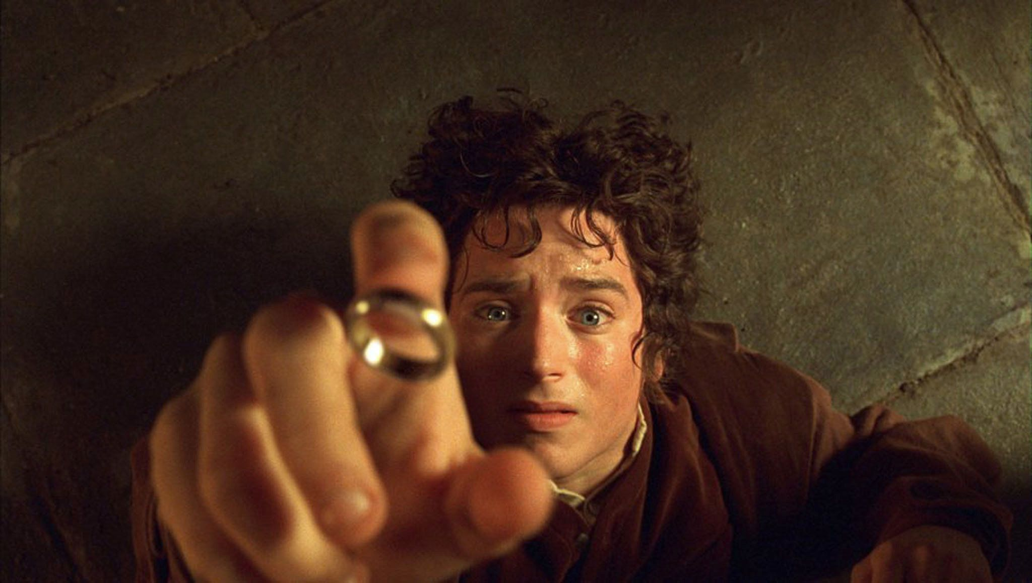 "ATTENTION: THIS PICTURE HAS BEEN BINNED, DO NOT USE. -UNDATED PUBLICITY PHOTO- Actor Elijah Wood portrays Hobbit Frodo in a scene from the film ""The Lord of The Rings The Fellowship of The Ring"" in this undated publicity photograph. [The film received four Golden Globe nominations, including Best Drama Motion Picture, in Beverly Hills, California December 20, 2001. The Golden Globe Awards will be presented in Beverly Hills January 20, 2002.]  REUTERS/Handout"